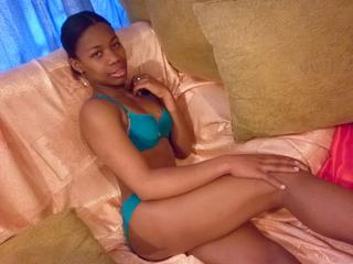 Fransheska - Enjoy the hottest ebony woman, just with a click.