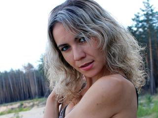 Oralsex, Rollenspiele, Voyeurismus, Humorvoll, Romantisch, Schüchtern, Sinnlich, Weich