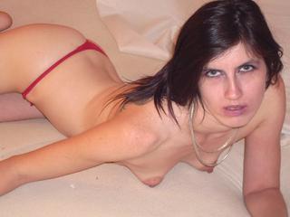 Anal-Sex, Exhibitionismus, Fetisch, Natursekt, Oralsex, Outdoor, Piercing, Sexspielzeug, Voyeurismus, Live-Dates, Ehrlich, Humorvoll, Tabulos, Weich, Treu